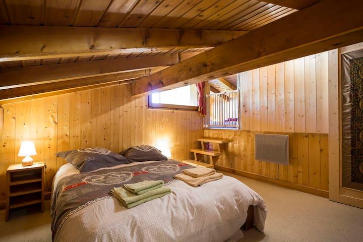 Chambre 2 sous les toits