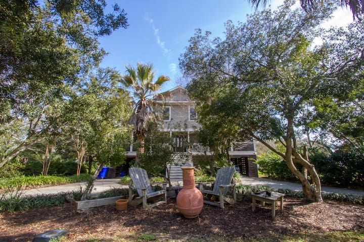 Room(s) in Fantastic Home! - Mt Pleasant - House