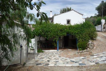 Cottage at Yogashala - Iznate - Rumah