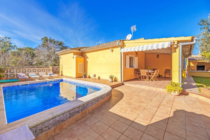 Beautiful Holiday Home Can Parets with Wi-Fi, Garden, Terraces & Pool; Parking Available, Pets Allowed