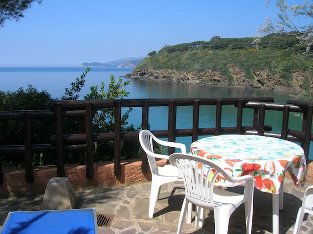 3-room sea view flat by the beach - Capoliveri - Apartment