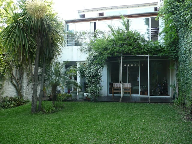 Urban Oasis in Belgrano - ideal for family/friends - Buenos Aires - Huis