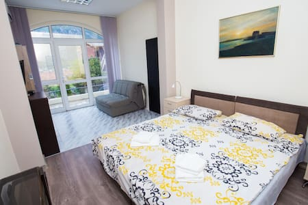 5.Spacious double bedroom with sofa - Kotor