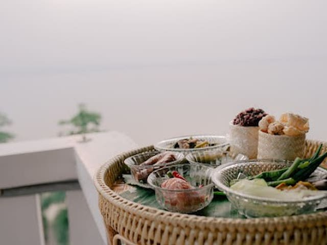 Thai northen breakfast is provied for all our guest every moring for get a sense of Phayao.