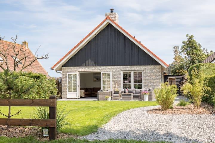 Nieuw! Vakantiehuis Chill op Ameland