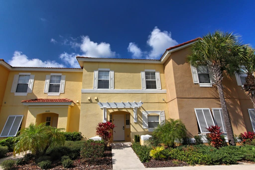 Mickey 39 S Lodge Townhouses For Rent In Kissimmee Florida United States