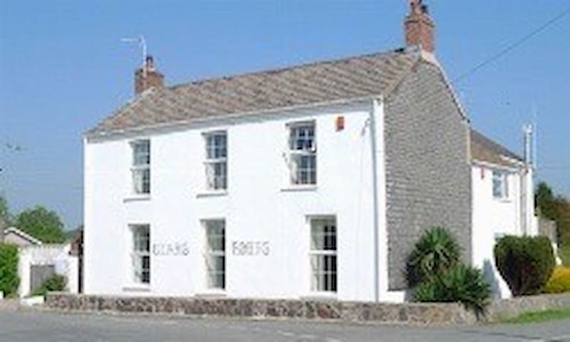 Clare House Annex (2 bedrooms)- Pembrokeshire