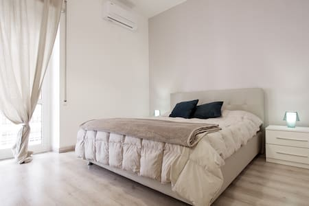 AMAZING CONFORTABLE ROOM IN ROMA - Roma - Apartment