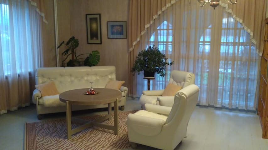 Spacious and cozy double room with fireplace