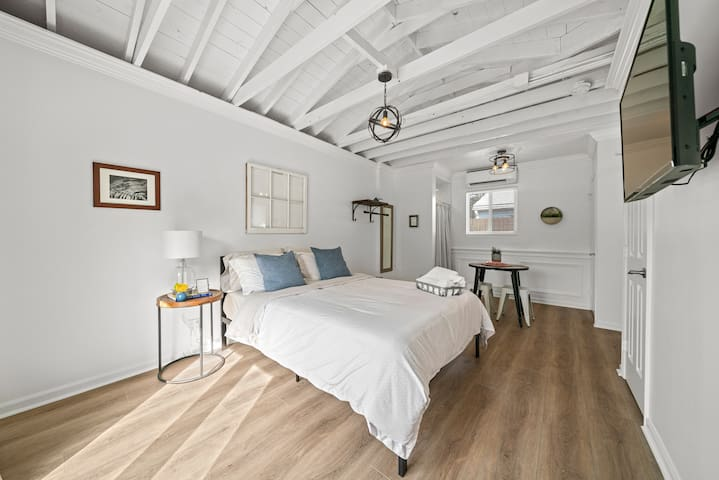 Coconut Cabana: A stylish, comfortable studio retreat