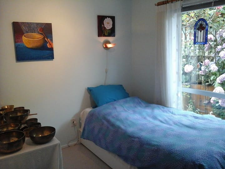 HAPPY AS ! : a guest room in a retreat center