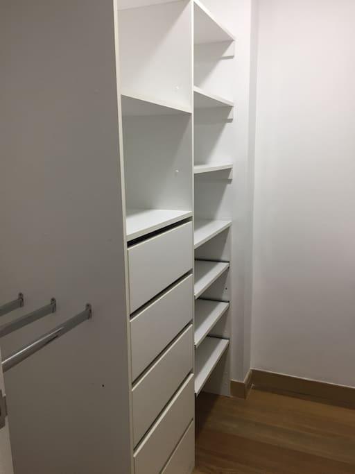 Closet del cuarto principal
