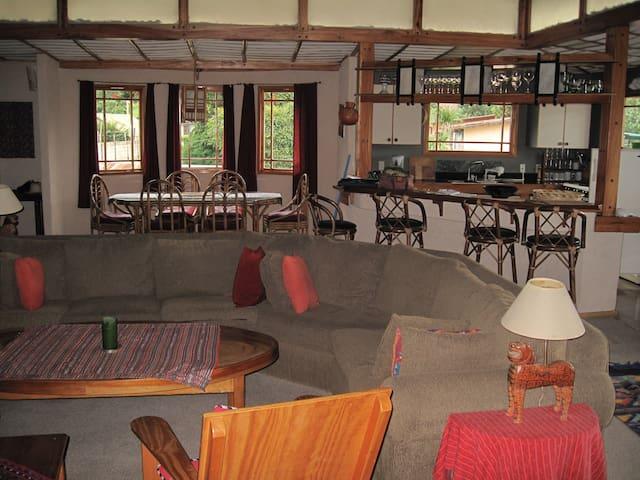 Large & Light 3 Bed Family Apt in Pana - Panajachel - Departamento
