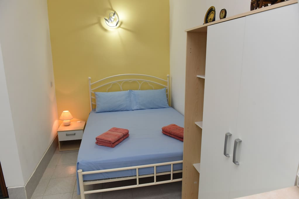 Double bed Ideal for Couples