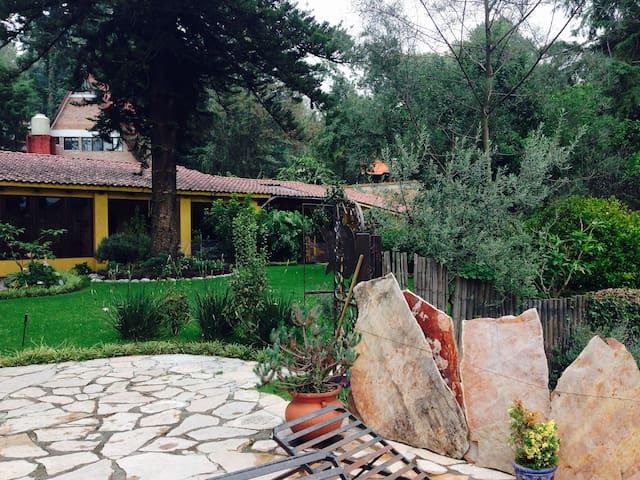 Preciosa casa en el bosque - Huitzilac - Casa de campo