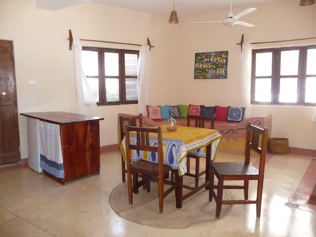Mkunguni Strandhaus mit Traumblick - Jambiani - Apartment