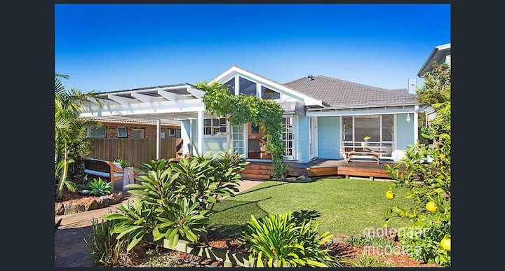 Perfectly positioned Bulli Bungalow close to beach
