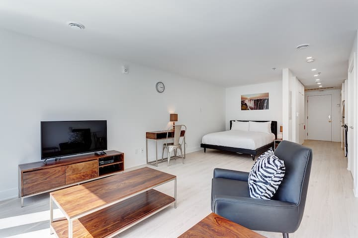 Downtown Studio close to spectacles/Gym/Pool