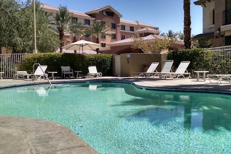 Luxury Villa in Old Town La Quinta - La Quinta