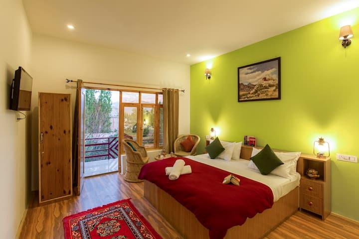 Deluxe Private Room in Leh