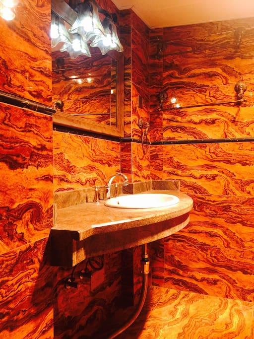 浮夸的卫生间你可喜欢❤️