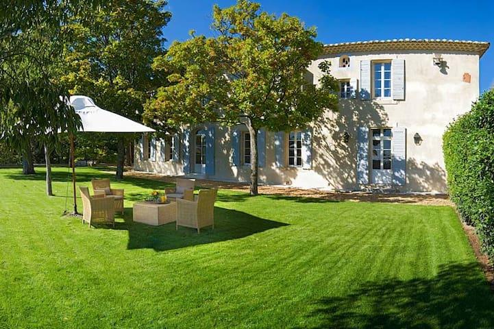 La Belle de Saumane: 113225 - L'Isle-sur-la-Sorgue - Villa
