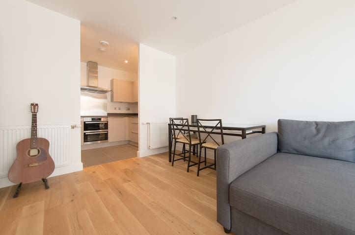 New flat - on quiet street near Hoxton/Shoreditch