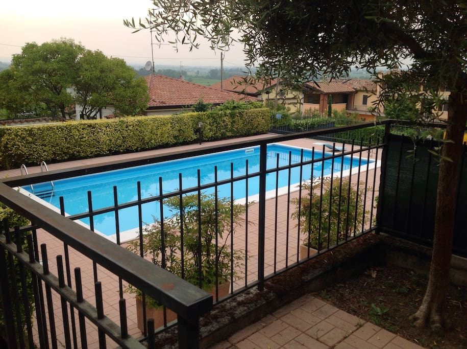 Residence con piscina vista lago wohnungen zur miete in - Residence lago di garda con piscina ...