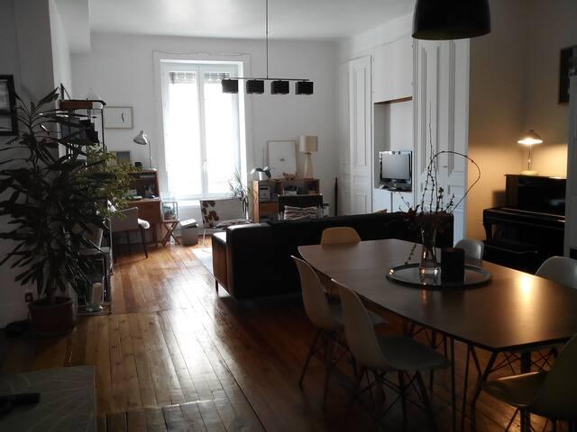 Vaste salon de 45 m2