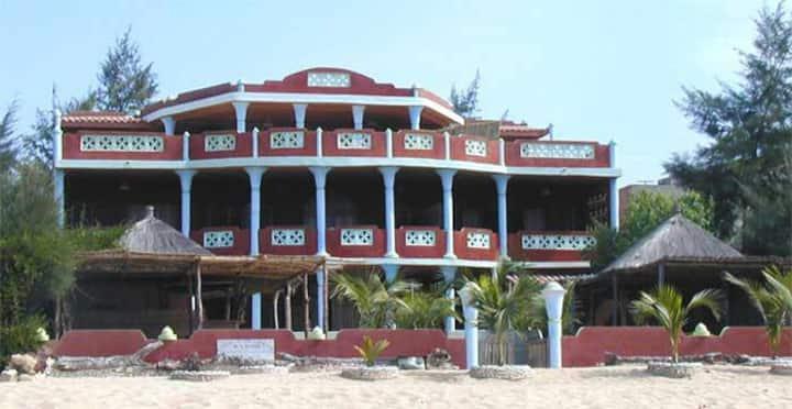 résidence avec piscine  bord de mer