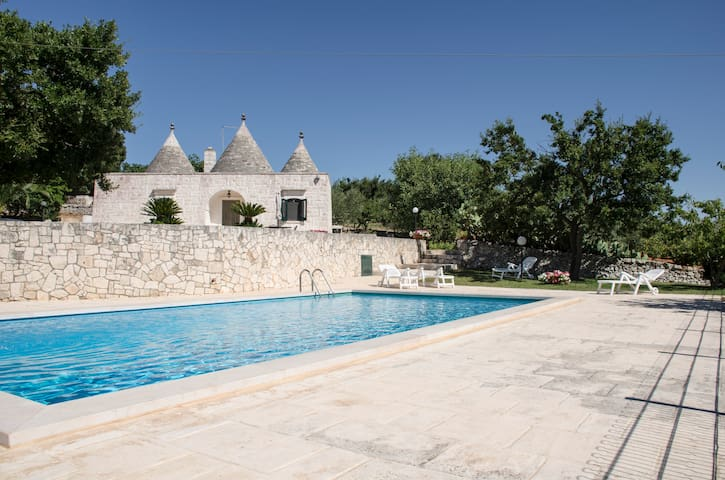 Gorgeous trulli with private swimming pool