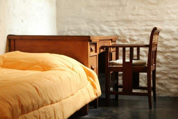 PRIVATE BEDROOM SINGLE BED