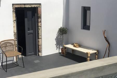 Santorini Folia Cave house, 4+2prs, view, jacuzzi