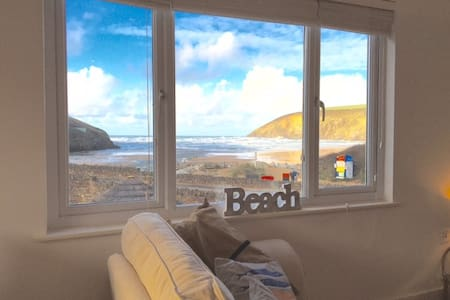 Fabulous Beach Pad 20paces From Sea - Mawgan Porth