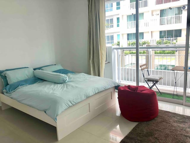 Cosy Studio Condo near The Curve & IKEA Damansara