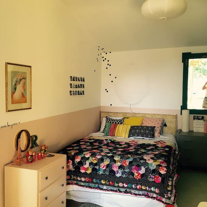 Chambre douillette, couchage très confortable