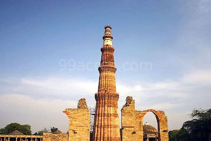 Market,parks,lake,historic monument,qutubminar