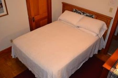 Lighthouse Room - Paxinos - Bed & Breakfast