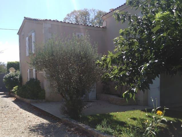 Maison familiale aux portes de Bordeaux - Camblanes-et-Meynac - Casa