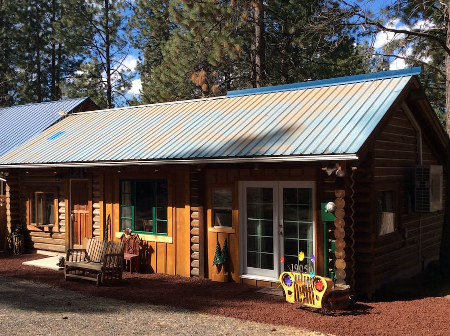 Cabin in the woods cabins for rent in bend oregon for Cabin in the woods oregon