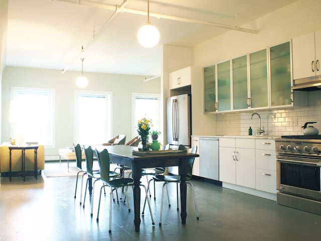 Mid Coast Maine Loft Style Apt - Rockland - Appartement