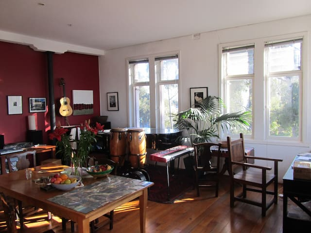 Bright & Spacious Artist studio - Fitzroy - Apartemen