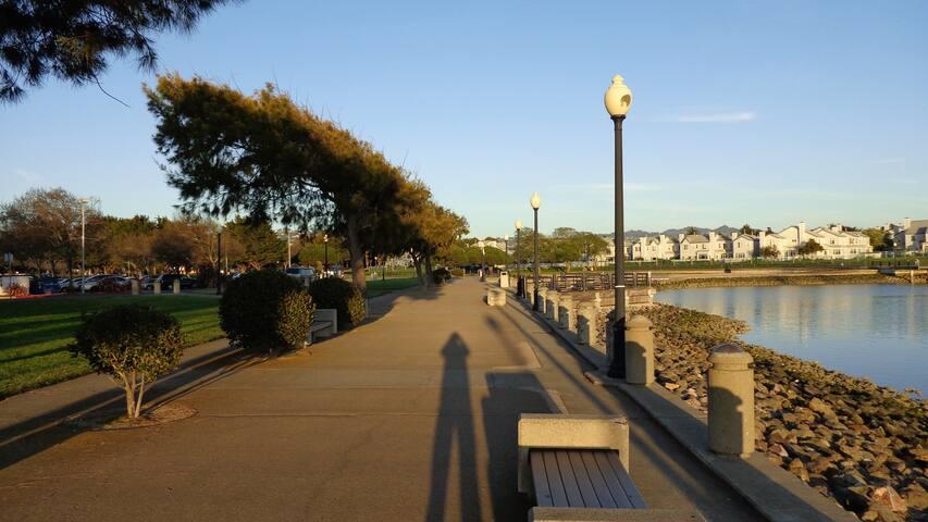 Beautiful Location in Marina Bay - Richmond - Appartement en résidence