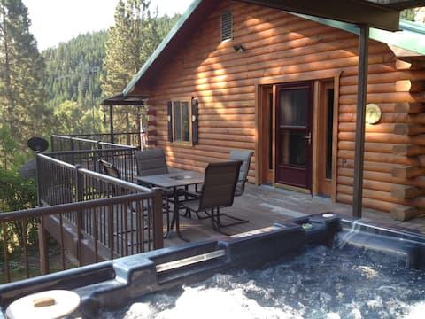 Hummingbird Hill-Remote Spacious Cabin HotTub WiFi