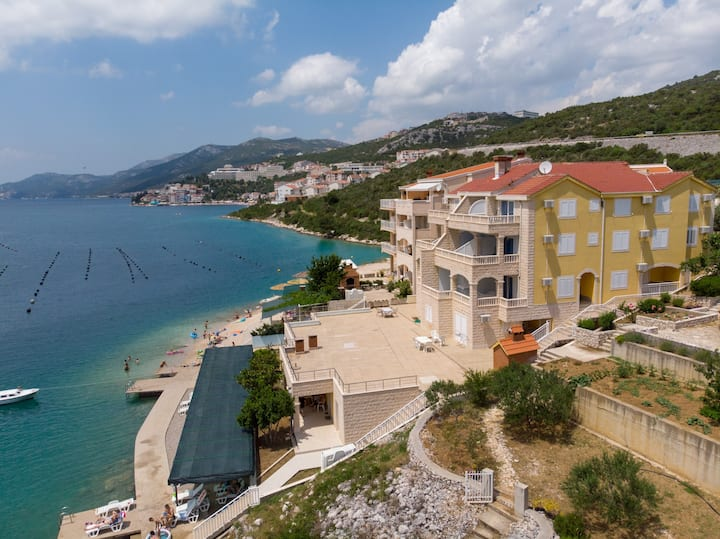 Villa Jazina Pavlović - One Bedroom Apartment with Balcony and Sea View 5
