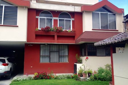 Nice Room Close to Quito Airport - Tumbaco - Bed & Breakfast