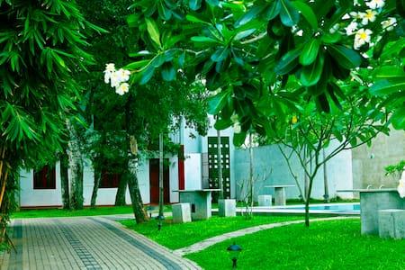 Luxury Appartments & Villas - Kiribathgoda - Willa