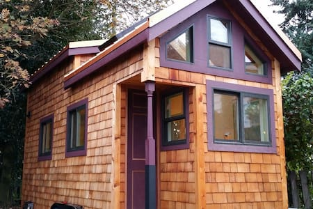 Stay and check out a Tiny House! - Seattle