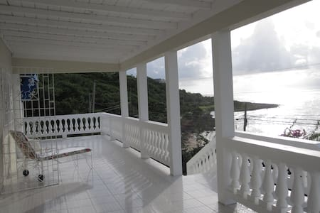 Villa with Private Beach (Rm 3) - Lucea
