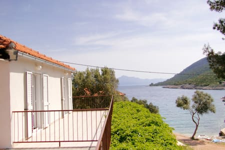 Spatious 2 Terrace, 2BD ap. on Hvar - Gdinj